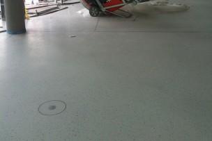 Project in uitvoering afwerking epoxy terrazzo