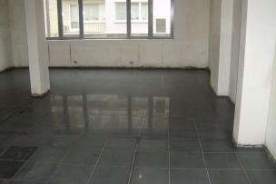 FASE II: Granietvloer is geslepen en ontkrast