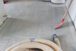 Stofvrij schaven beton in woonkamer