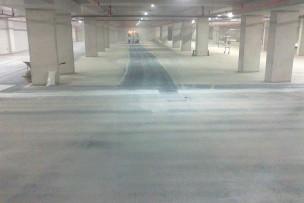 Zuiver stralen parkeergarage na bouwwerken